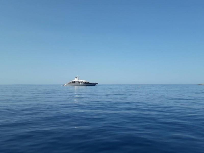 maya-queen-2 Δεν αποχωρίζεται την Κρήτη η θαλαμηγός...