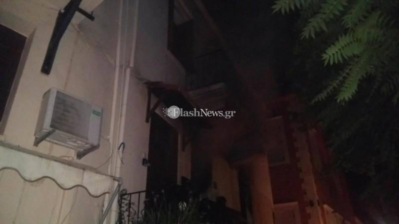 """Κρήτη: Έβαλε φωτιά και έκαψε το σπίτι για να """"εκδικηθεί τη σύζυγο"""""""