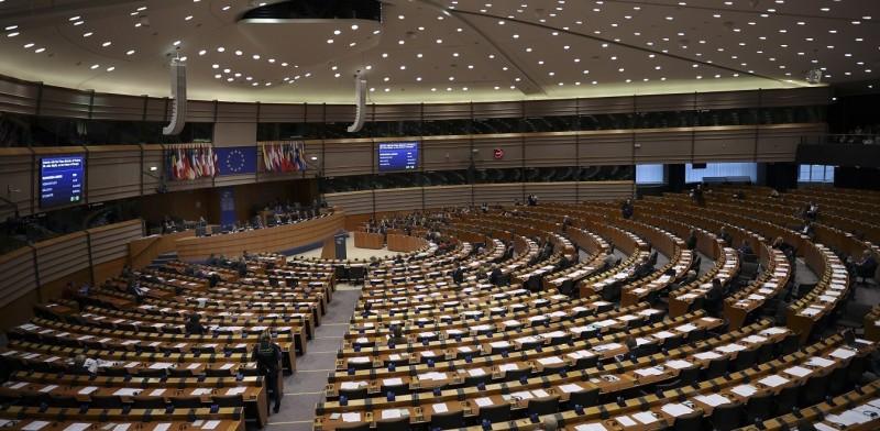 ΕΚ: Την αναστολή των ενταξιακών διαπραγματεύσεων με την